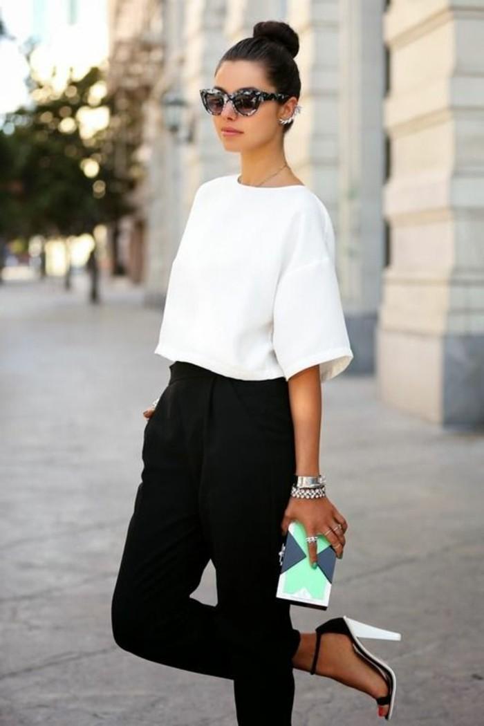 tenue-vestimentaire-au-travail-femme-élégante-en-blanc-et-noir-chignon