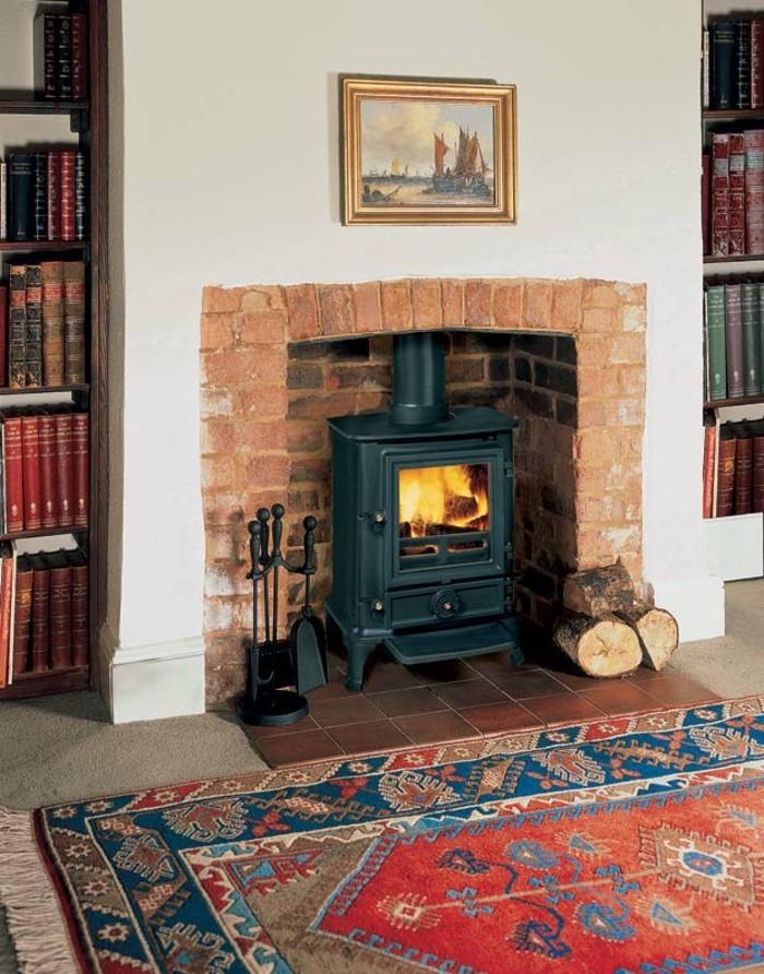 transformer-une-cheminee-rustique-en-moderne-tapis-perse-colore