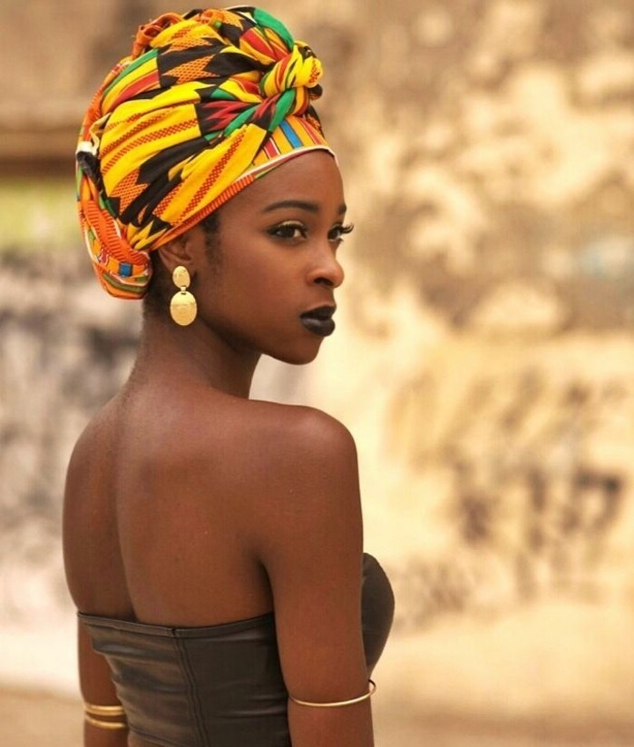turban-femme-écharpe-en-couleurs-variées-jaune-orange-vert-inspiration-africaine