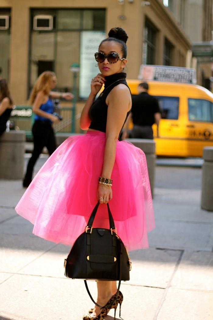 tutu-femme-jupe-rose-sac-noir-blouse-noire-femme