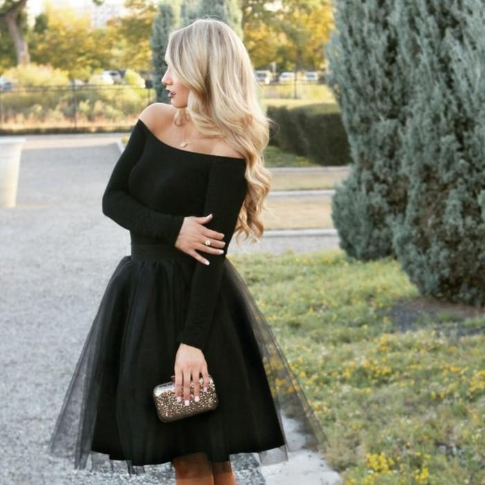 tutu-femme-noir-blouse-epaule-tombe-tenue-toute-noire