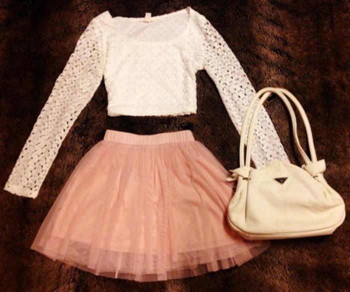 tutu-femme-rose-sac-beige-et-jupe-corolle-romantique