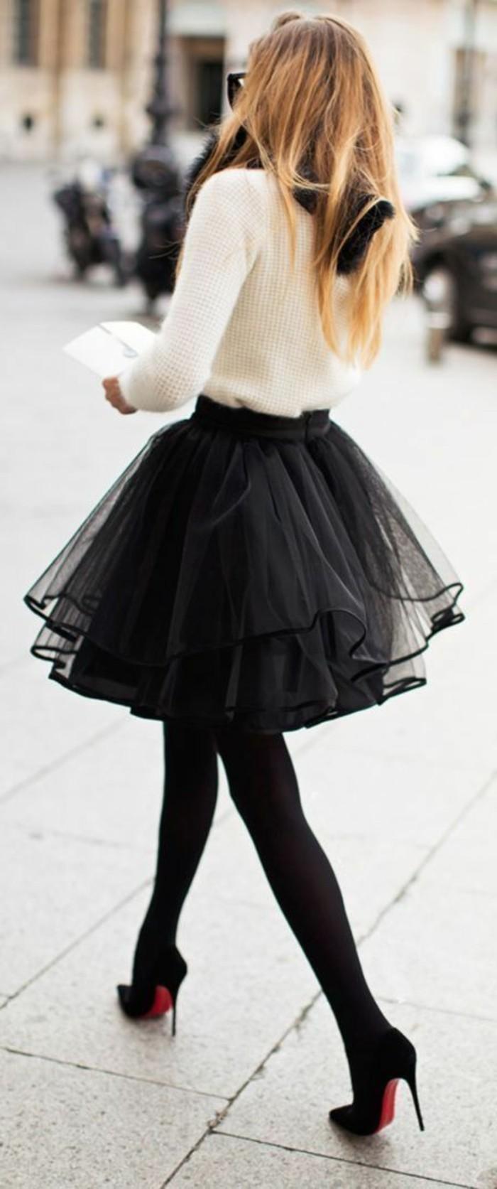 tutu-noir-femme-classy-jupe-corolle-et-talons-noirs