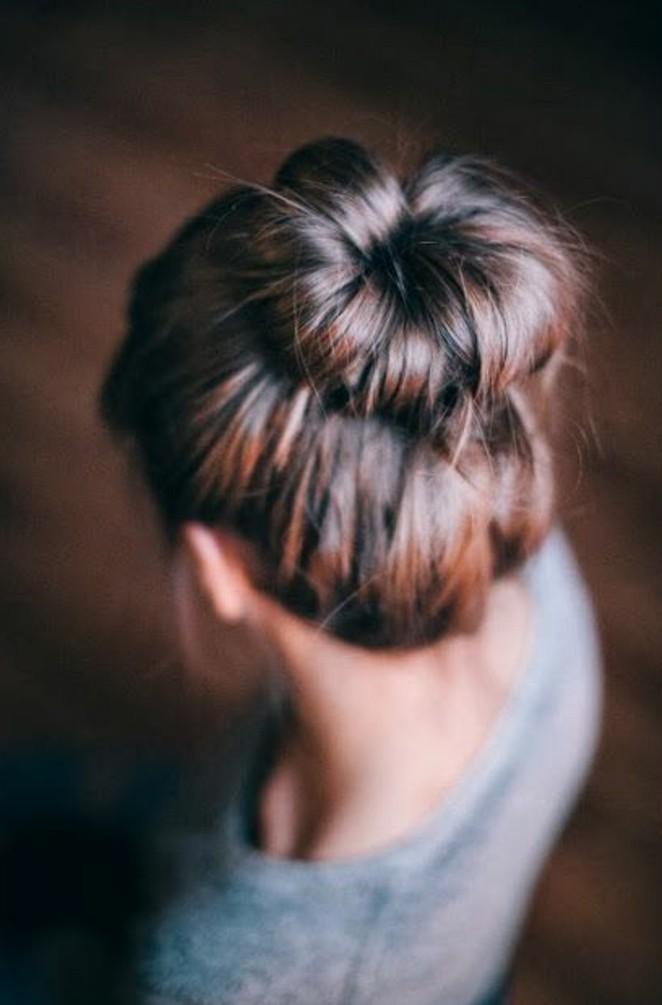un-chignon-donut-facile-a-faire-coiffure-pour-tous-les-jours