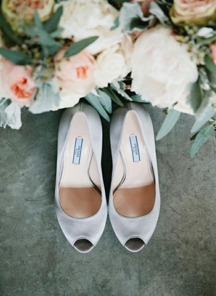 une-idee-deco-salle-mariage-image-deco-mariage-romantique-vintage-chaussures