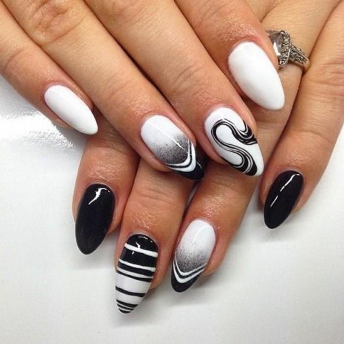 vernis-blanc-et-noir-lignes-droites-effet-enneige-imitation-spirale