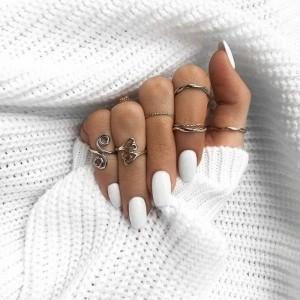 Manucure blanche - style classique et nouvelles tendances