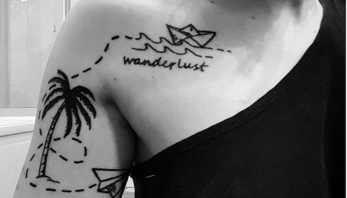 avion en papier tatouage symbole voyage bateau palmier par yvette schwarz