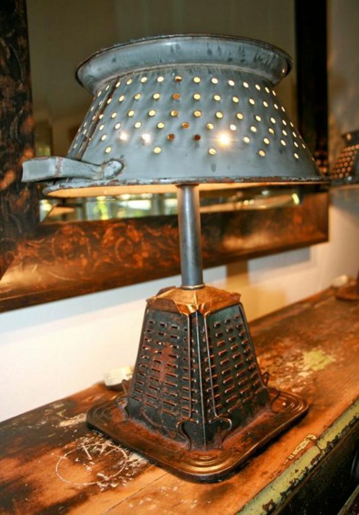 abat jour original, ustensiles métalliques transformées en luminaire