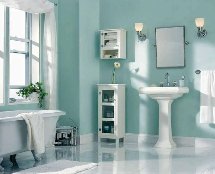 accessoire-salle-de-bain-deco-moderne-en-blanc-et-turquoise-miroir-étagère