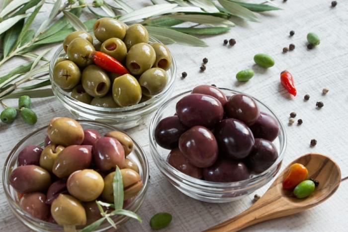 les olives, aliments riches en fer, olives vertes, mauves, aliments riches en fer, lutte contre l'anémie
