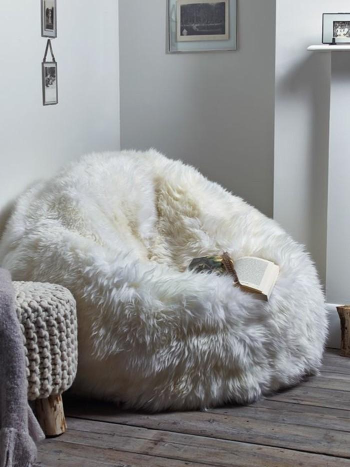 ambiance-cocooning-grand-pouf-blanc-livre-tabouret-en-crochet-photos