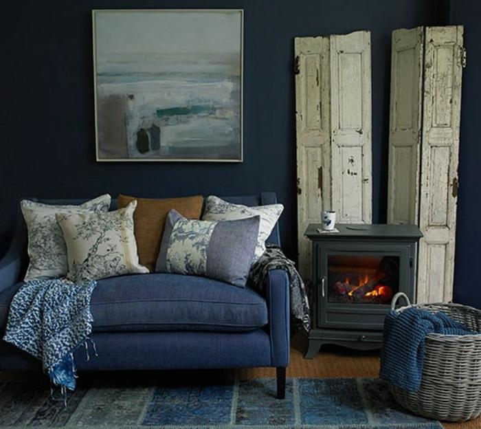 -salon-indigo-couleur-tapis-canapé-et-peinture-murale-bleu-indigo ...