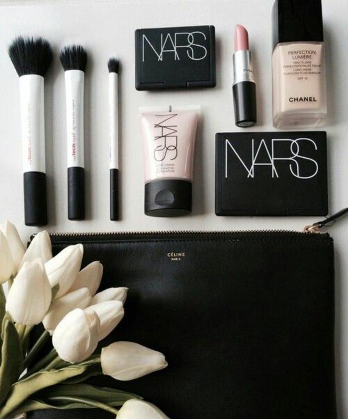 Astuce maquillage comment bien se maquiller belle femme