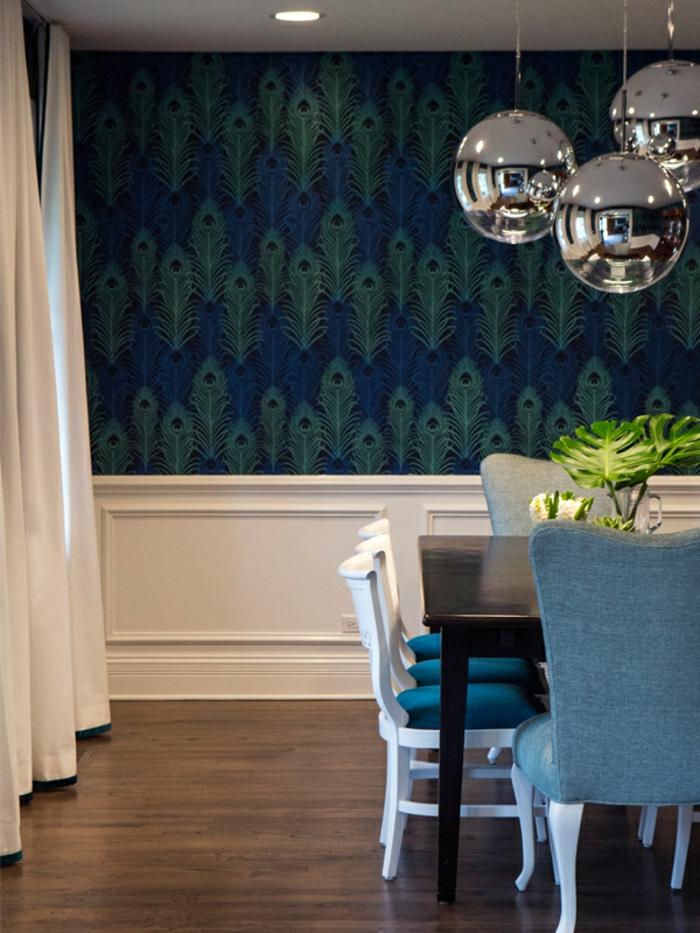 belle-chambre-garcon-idée-déco-chambre-décoration-papier-peinte-paon