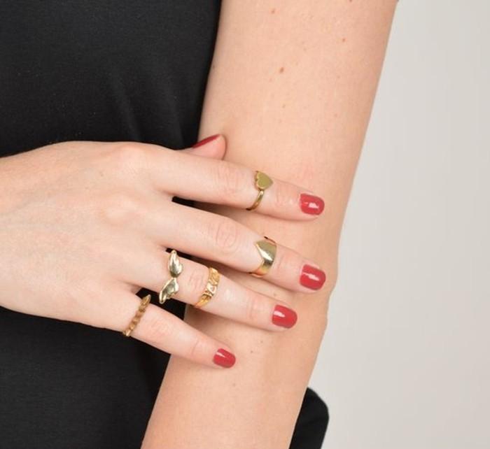 bague fantaisie à motifs actuels, des anneaux sur chaque doigt