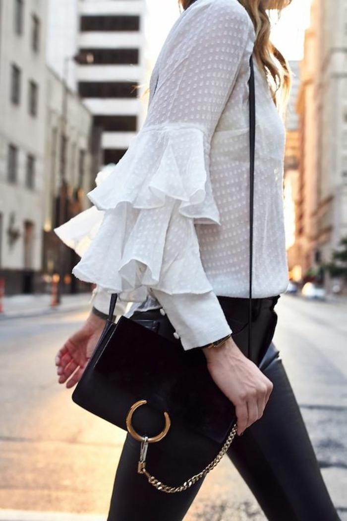 blouse-glamour-petit-sac-à-mains-legging-effet-cuir