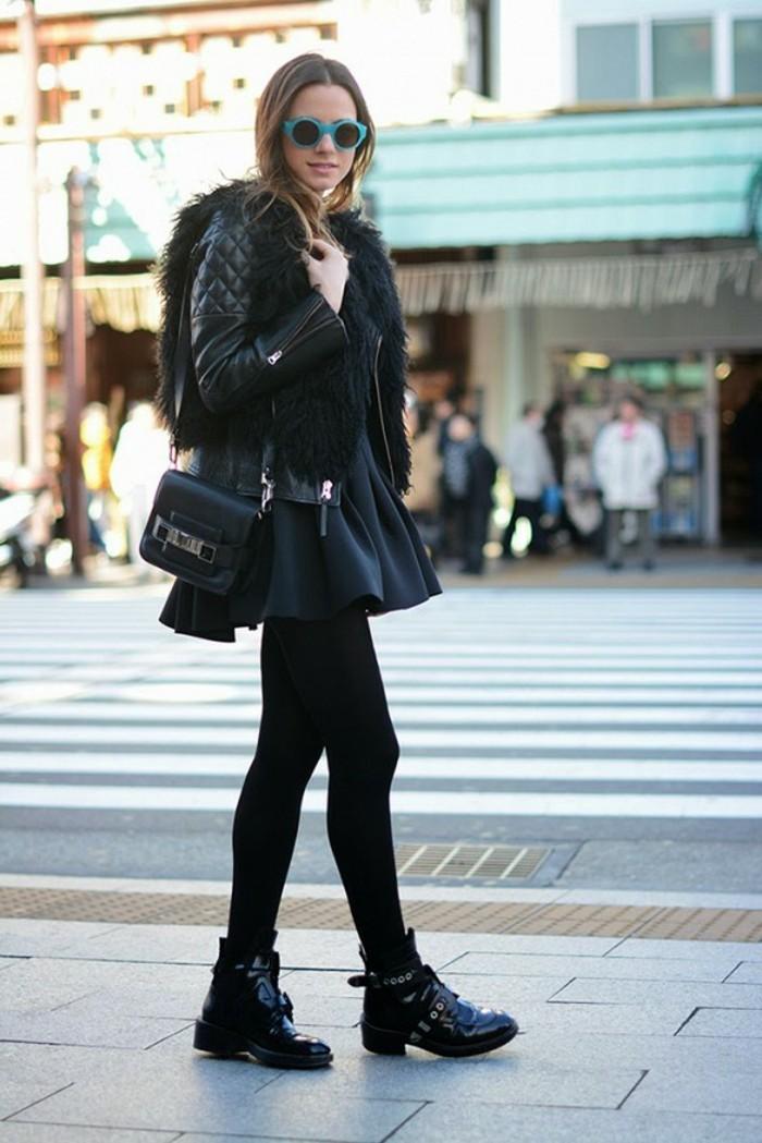 tenue avec bottines, lunettes de soleil bleus, veste en cuir et en fausse fourrure