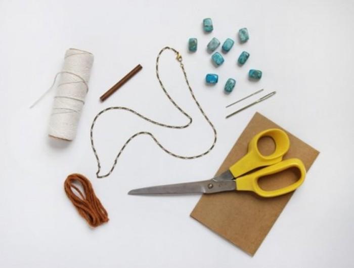 diy macramé, matériaux nécessaires, paire de ciseaux, fil et aiguille, noeud macramé