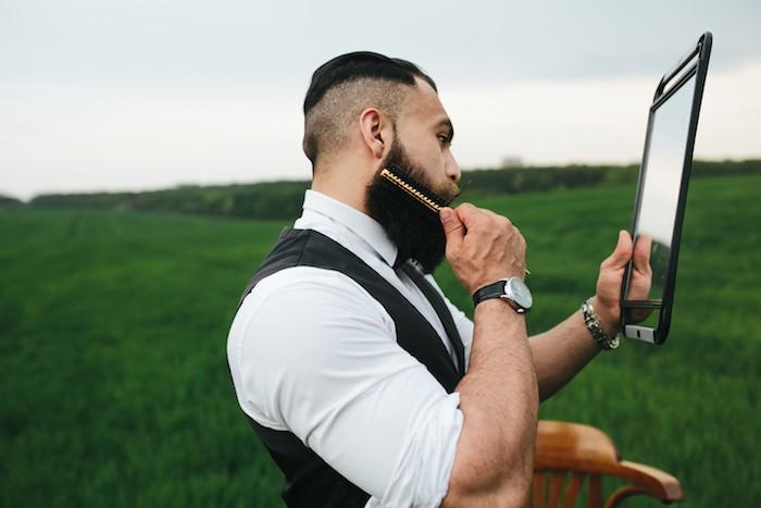 brosse peigne pour barbes homme entretenir soin produits
