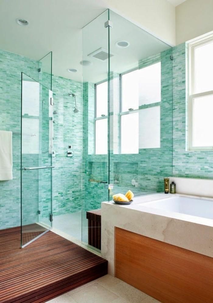 carrelage-douche-turquoise-cabine-de-douche-baignoire-serviette-blanche