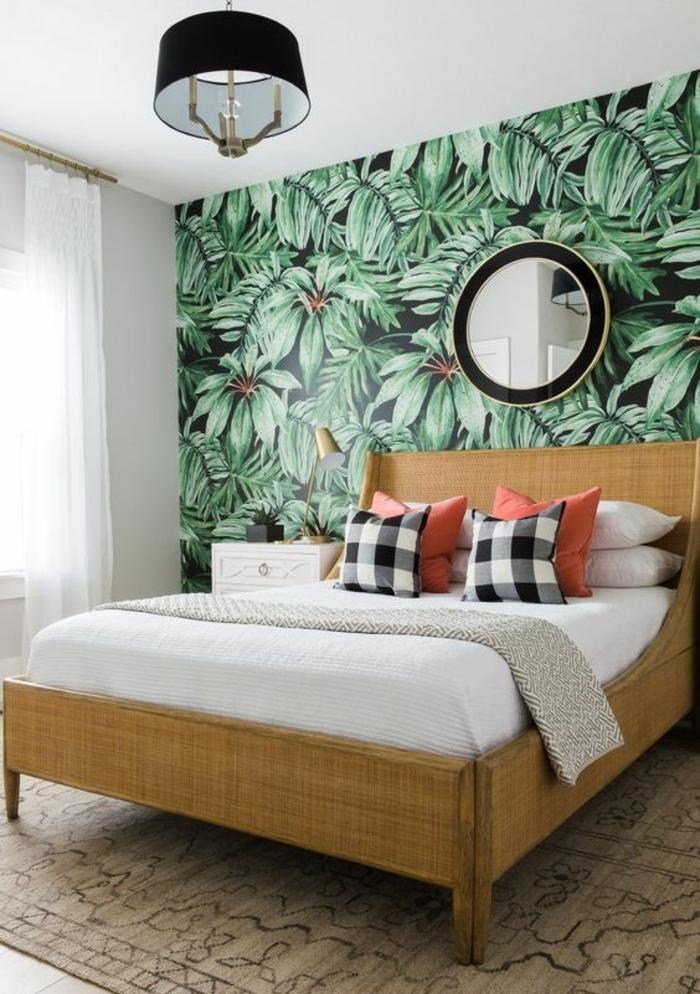 chambre-à-coucher-élégante-déco-blanc-et-beige-papier-peint-jungle