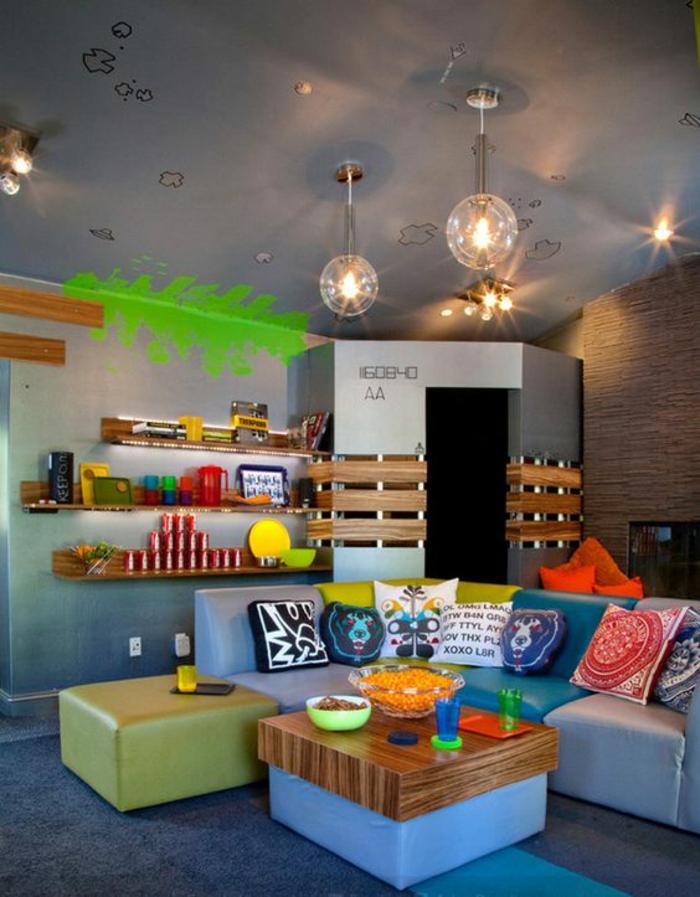 chambre-d'ado-garcon-moderne-et-fonctionnel-étahères-murales-en-bois