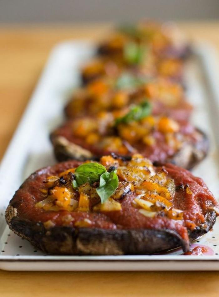 champignon-farci-à-la-sauce-rouge-au-persil-et-aux-carottes