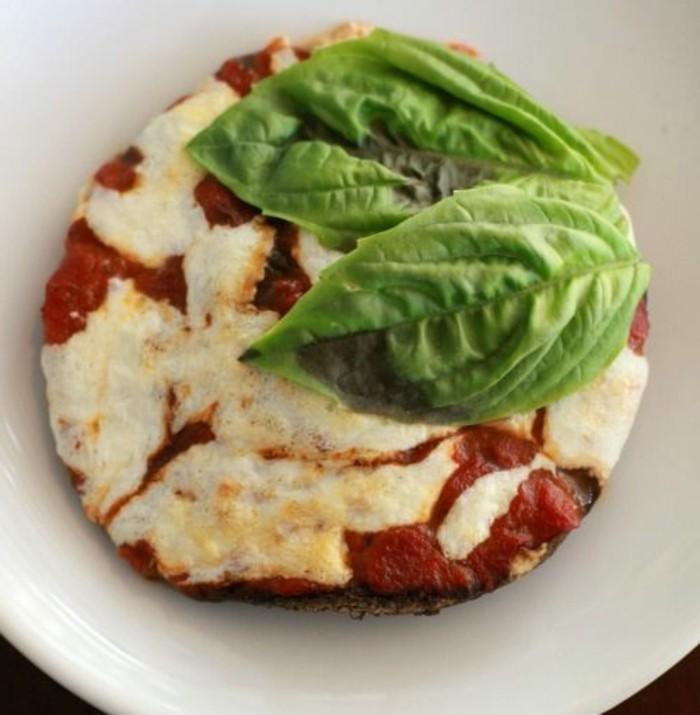 champignon-farci-tentant-et-juteux-sauce-tomates-et-mozarella