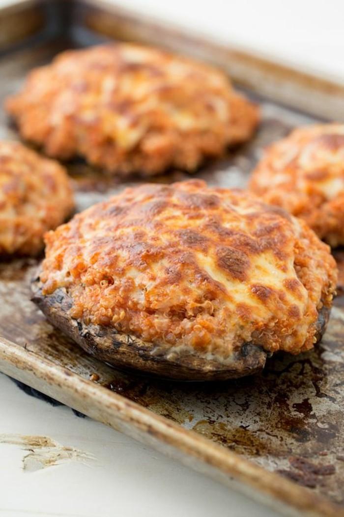 champignons-farcis-au-four-au-fromage-jaune-recette-simple