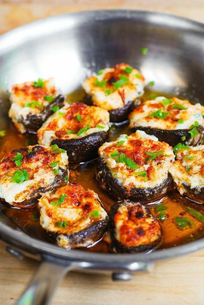champignons-farcis-au-four-avec-du-beurre-et-des-épices