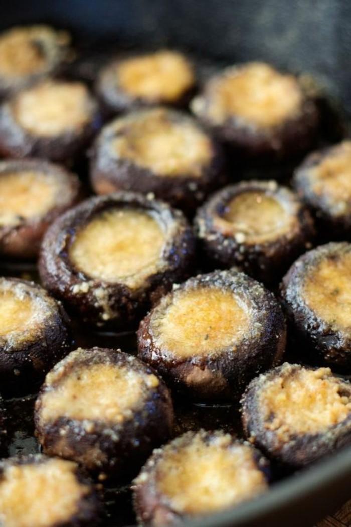 champignons-farcis-avec-des-ingrédients-simples
