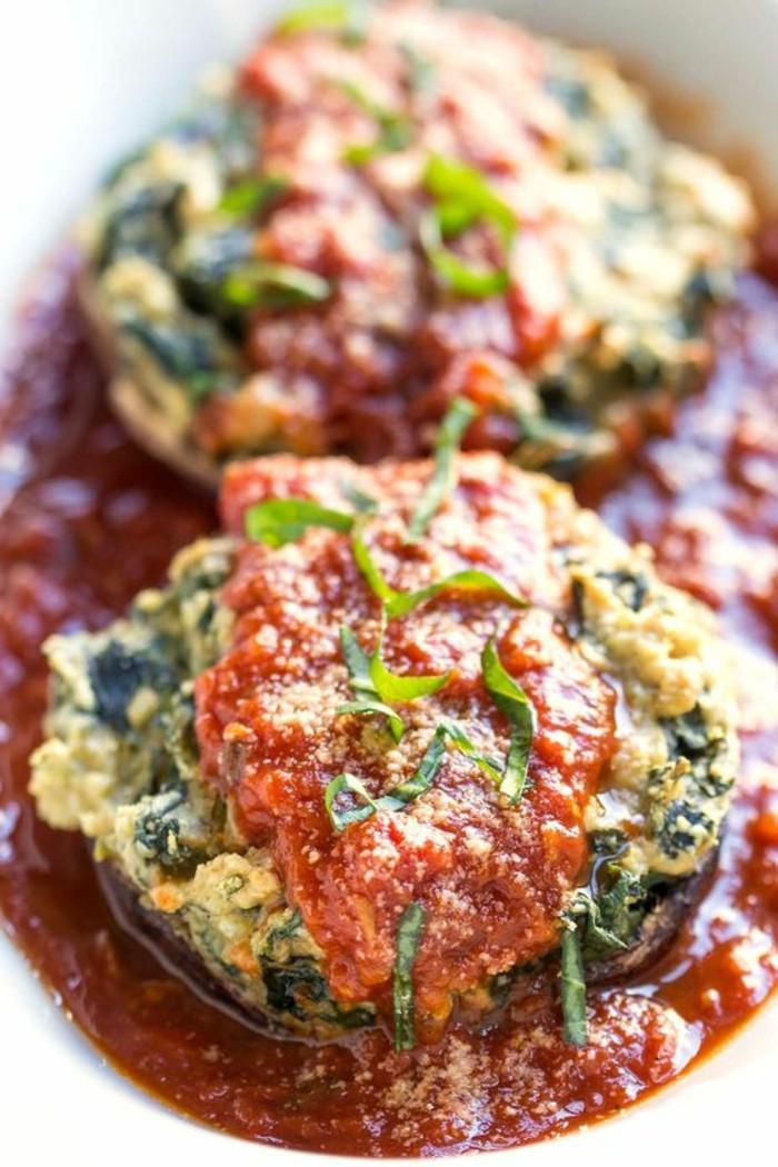 champignons-farcis-avec-purée-de-tomates-et-légumes