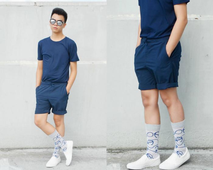 idée chaussettes remontées grises ancre marine avec short chino bleu marine