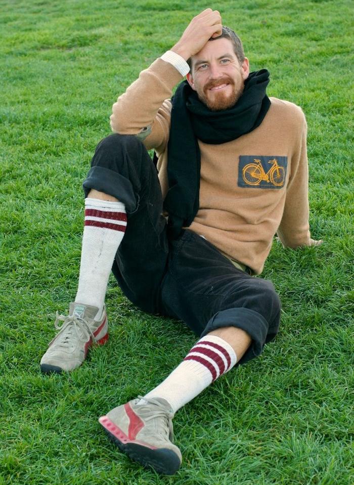 tenue fixie avec chaussettes longues de bmx ou skate