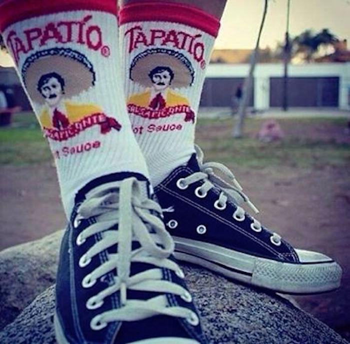 converse all stars noires et chaussettes originales remontées