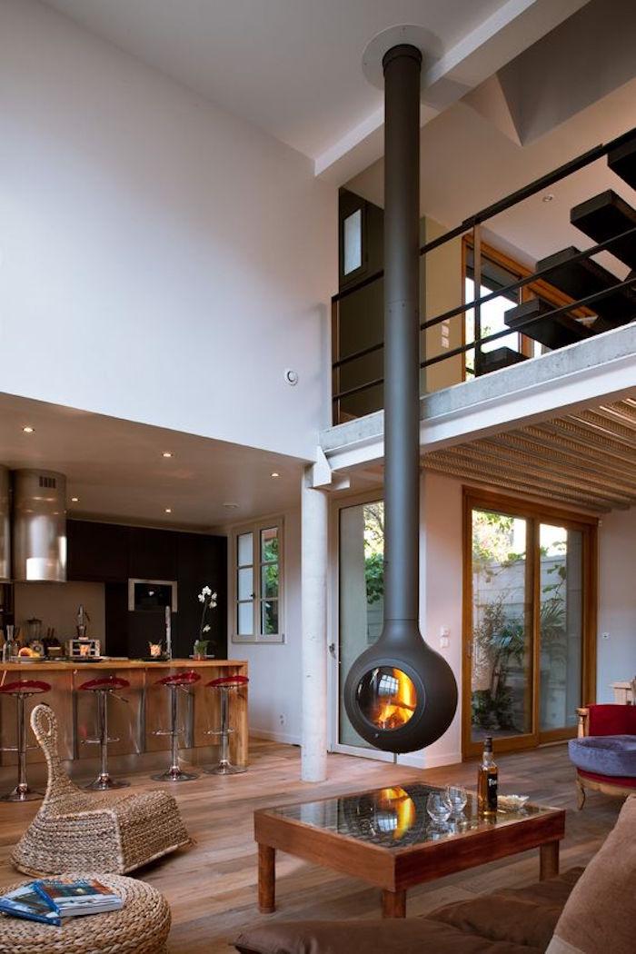 cheminée insert à bois fermé foyer suspendu