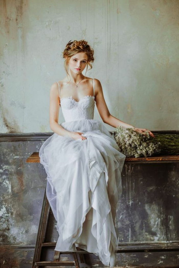 chic-robe-sirene-ou-robe-de-mariée-princesse-bustier-modèle-bohème-chic