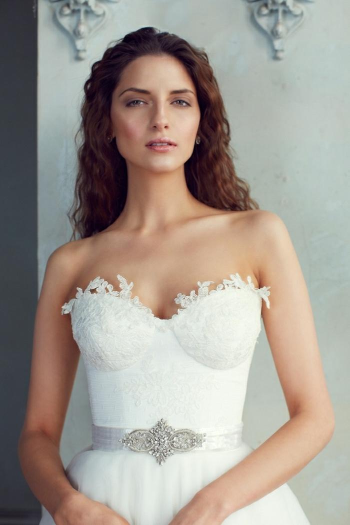 chic-robe-sirene-ou-robe-de-mariée-princesse-bustier-modèle-bustier-cool