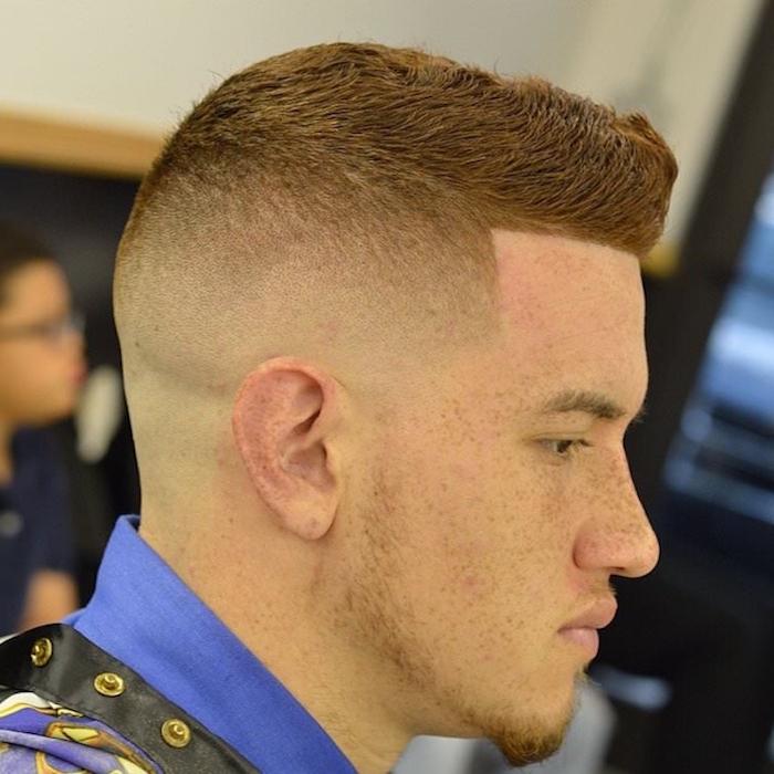 coiffure ado garçon roux et coupe homme rasé coté a blanc