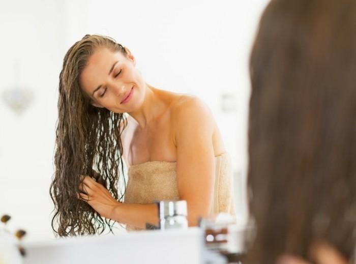 Comment faire pousser les cheveux plus vite sans produit