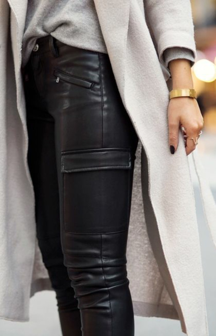 comment-porter-le-panatlon-cuir-manteau-long