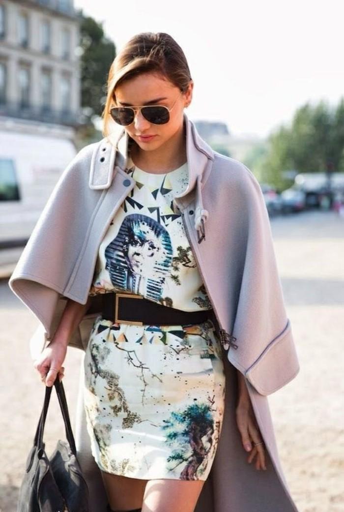 comment-s-habiller-en-automne-etre-femme-bien-habillée-manteau-robe-jolie