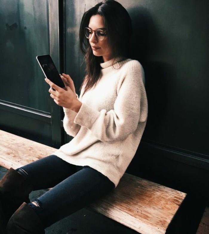 comment-s-habiller-en-automne-etre-femme-bien-habillée-tenue-pull-blanc