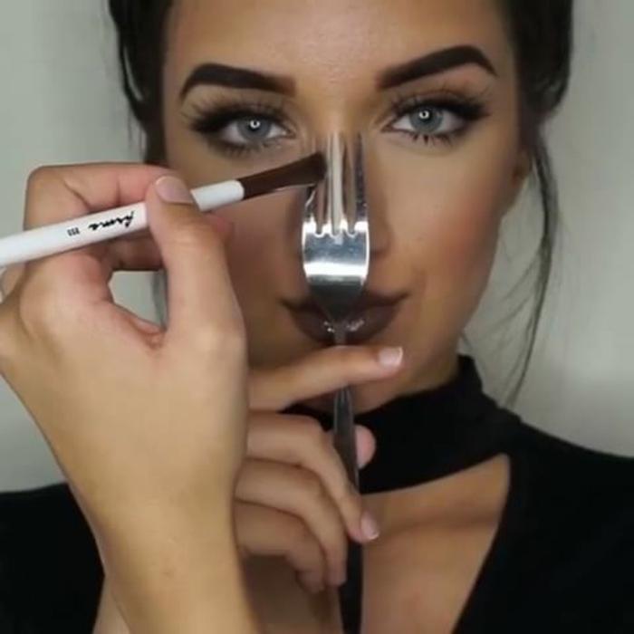 Appliquer eye liner et ombre à paupières de couleur neutre trucs et astuces