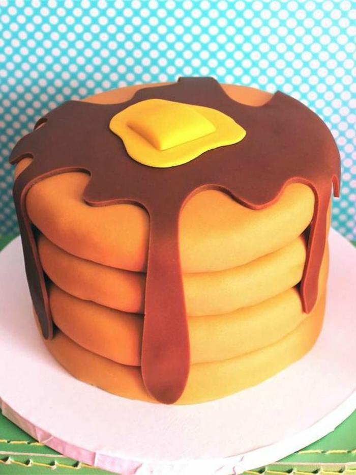 cool-gateaux-yaourt-gateau-anniversaire-chocolat-forme-de-gouffres