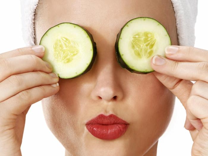 Astuce maquillage comment bien se maquiller belle femme hydratation