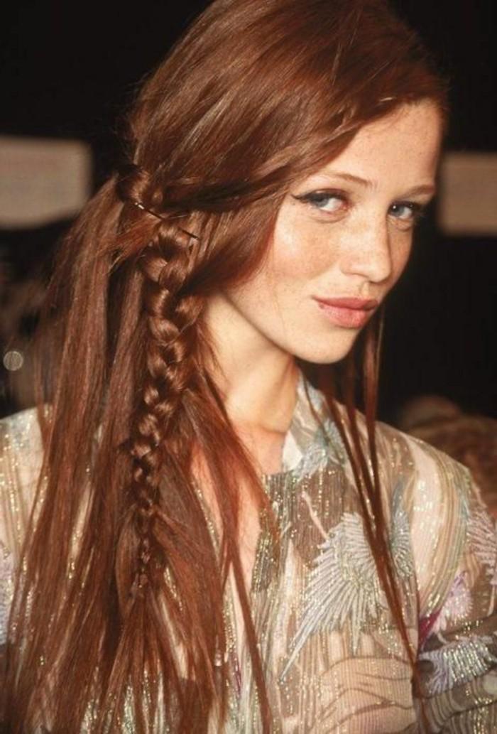 couleur de cheveux auburn, coiffure avec tresse