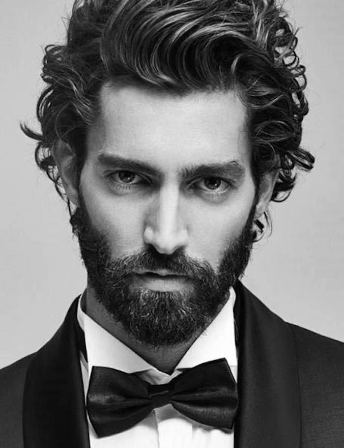 coupe cheveux epais bouclé set barbe homme hipster
