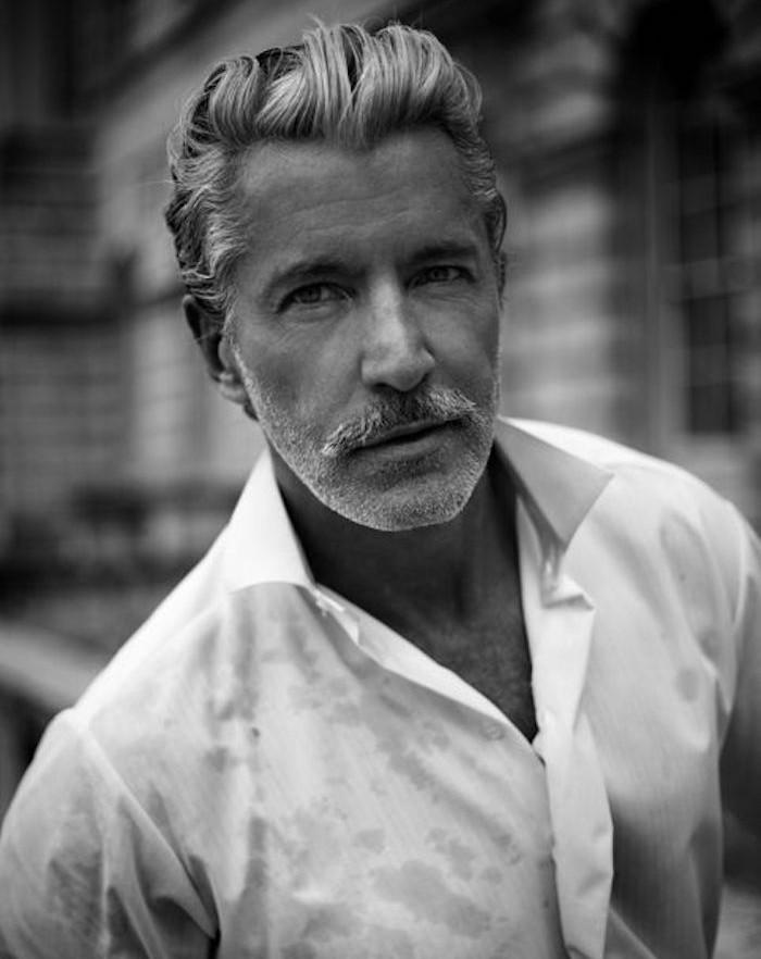coiffure années 50 homme volume en arrière